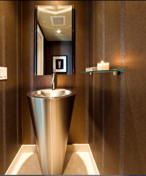 decoracao no lavabo:Uma cor escura nas paredes , com ou sem textura cria um ambiente mais