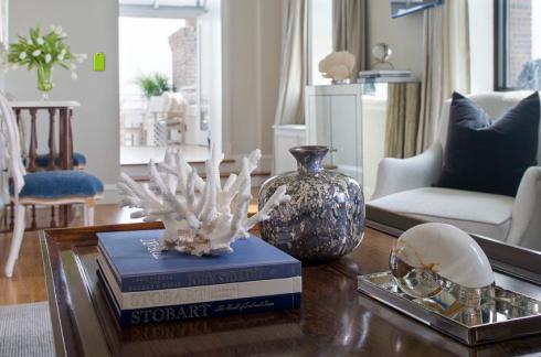 mesa de centro com coral natural.
