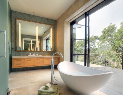 As novas banheiras são de fácil instalação e dão um ar bem atual para o banheiro.