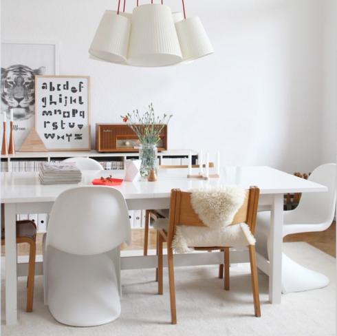 cadeira panton foi desenhada há mais de 50 anos pelo designer dinamarquês Verner Panton